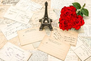 Red roses, old letters