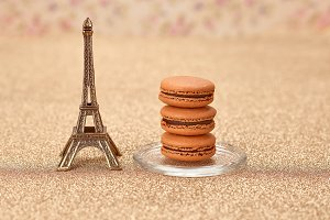 Macarons dessert, Eiffel Tower, gold