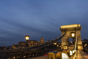 Chain Bridge in Budapest by night