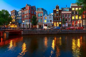 Night Amsterdam canal