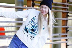 hip hop artistic blonde girl