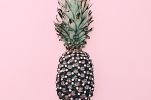 Fashion Pineapple. Pink minimal