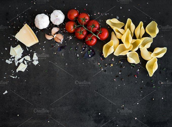 Food frame. Pasta ingredients - Food & Drink