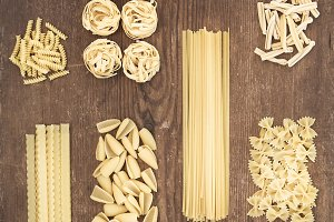 Different types of Italian pasta