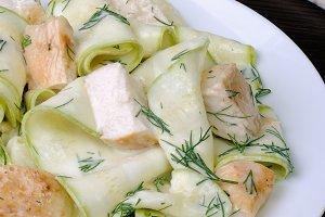 Zucchini salad with chicken