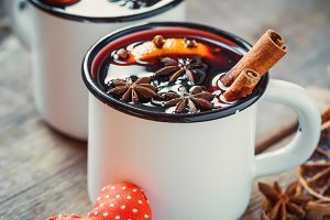 Mulled wine and red heart