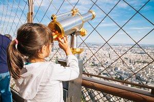Using Eiffel Tower telescope
