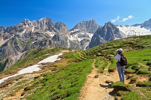 Dolomiti - hiker in Contrin Valley