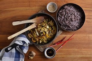Black rice noodles with sease seeds