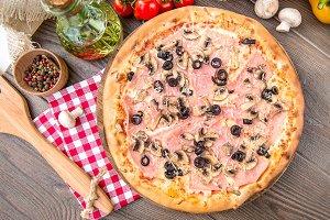 Italian pizza with bacon mushrooms