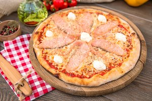 Italian pizza with salmon