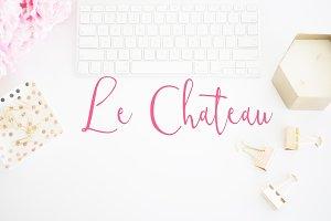 Le Chateau Script Font