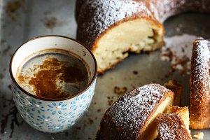 Italian yogurt cake. Coffee break