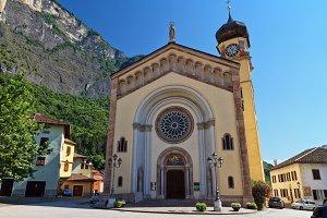 Trentino - Chuch in Mezzacorona