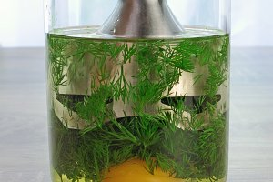 how to cook a cream sauce with dill