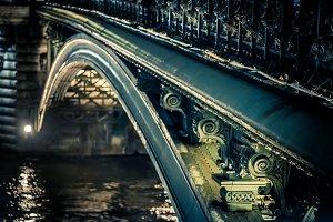 Under Pont Notre Dame