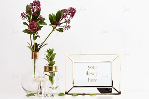 Frame mockup with flowers