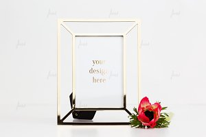 Portrait frame mockup with rose ♥